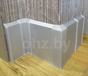 Плинтус алюминиевый PK100 с пластиковой (PVC) фурнитурой